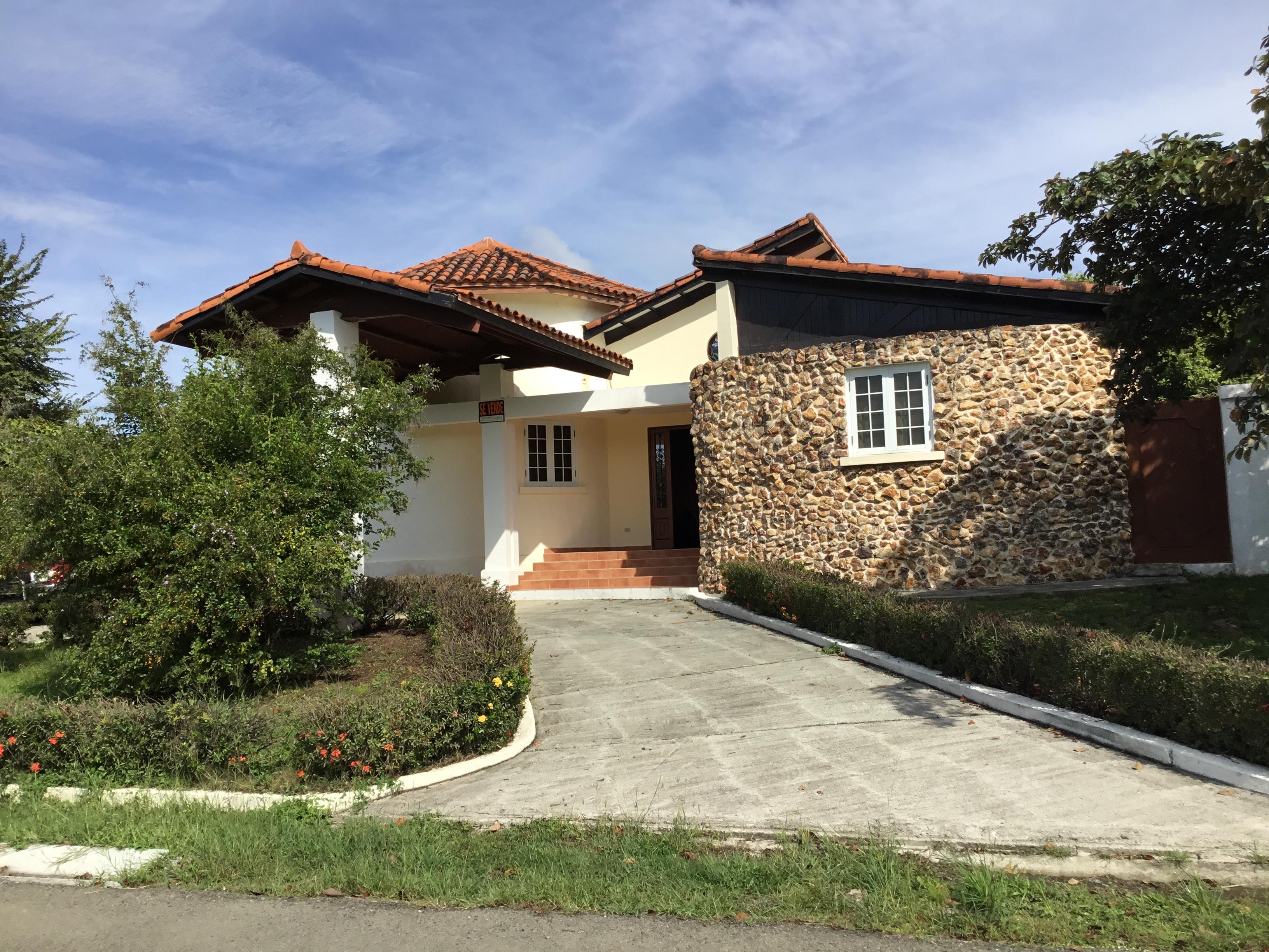 Nice, Spacious Home in Coronado
